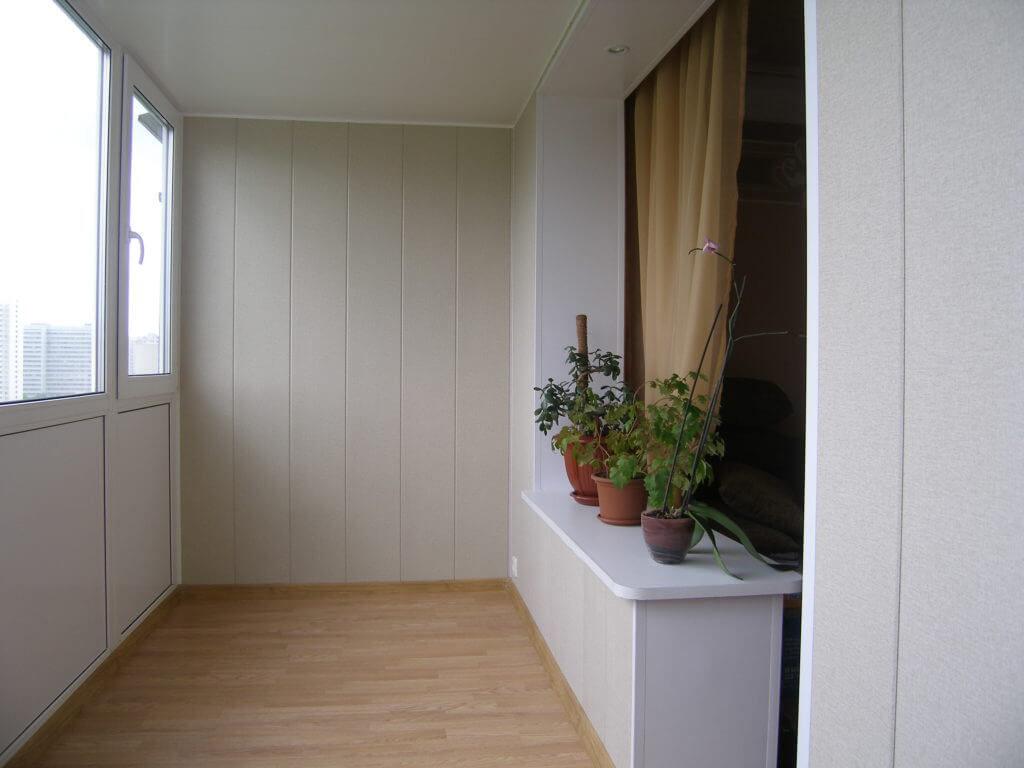 Отделка балкона ПВХ 3