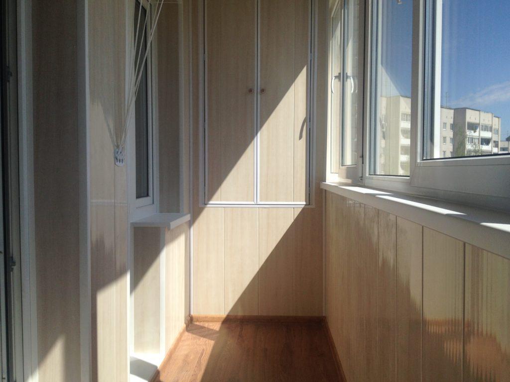 Отделка балкона ПВХ 1