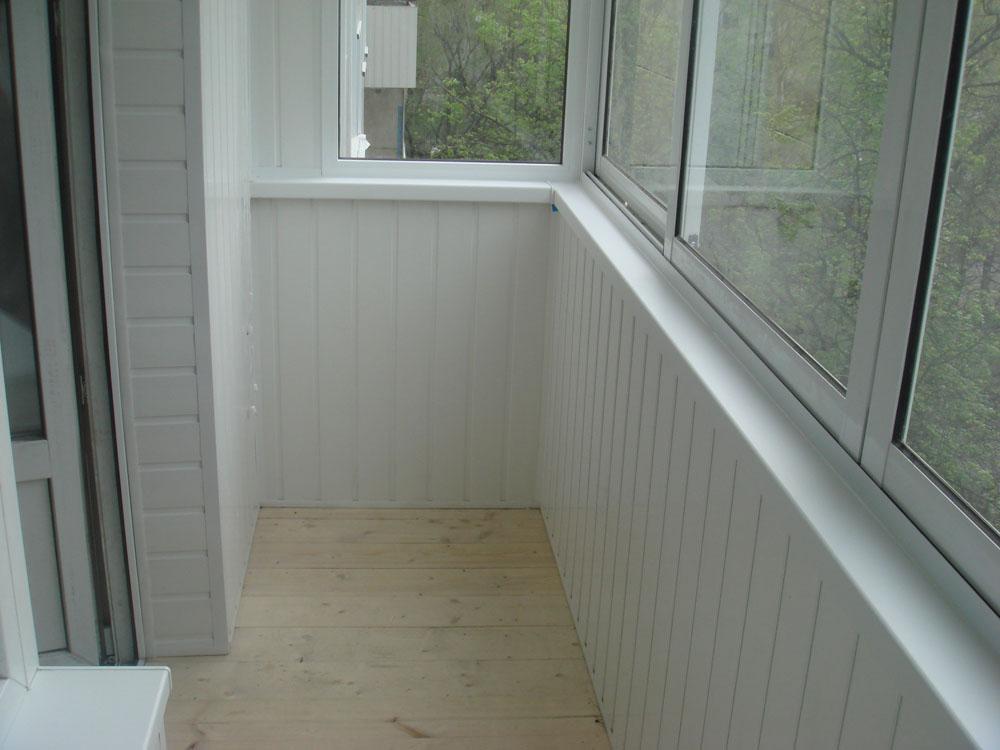 Отделка балкона ПВХ 5